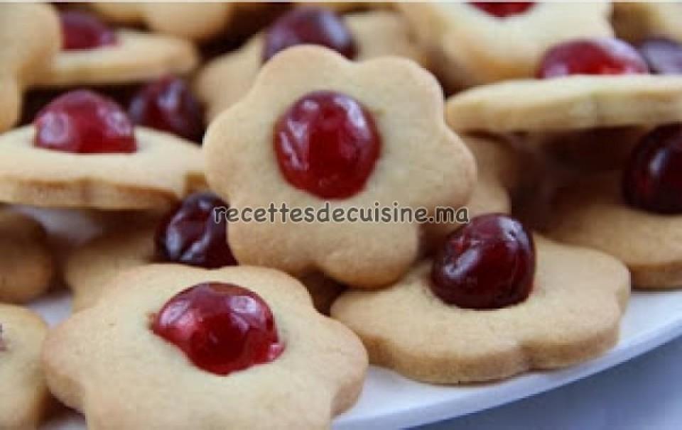 Gâteaux Sablés à la Cerise Confite - حلويات صابلي بالكرز المعسل